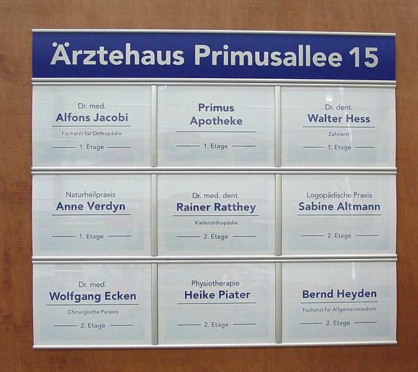 Objektbeschilderung - System Primus Wegweiser