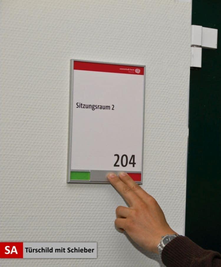 Objektbeschilderung - System 12 Tuerschild