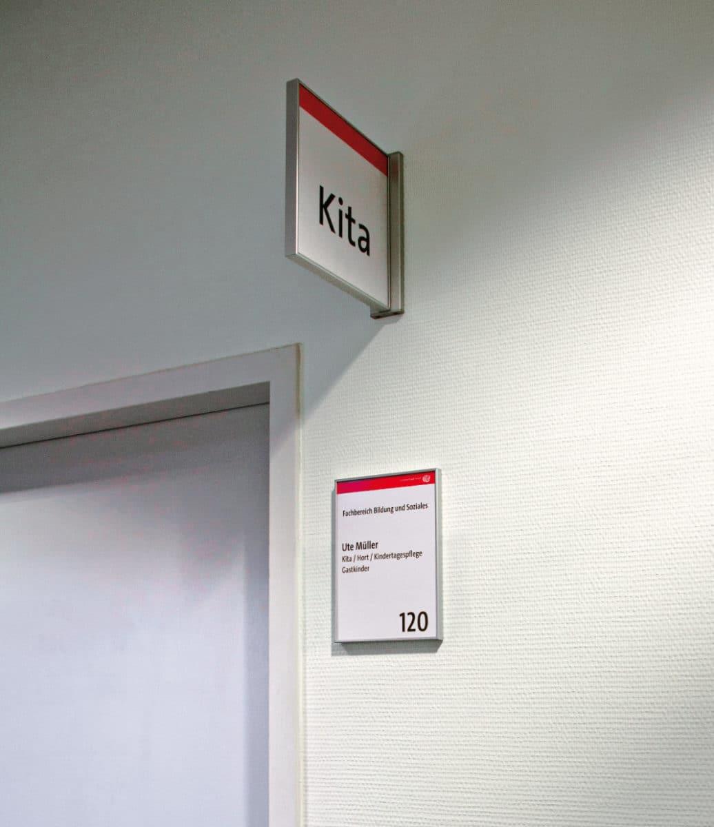 Objektbeschilderung - System 12 Fahnenschild