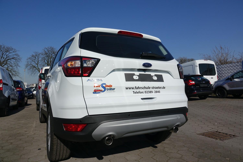 Fahrzeugbeschriftung eines Ford Kuga